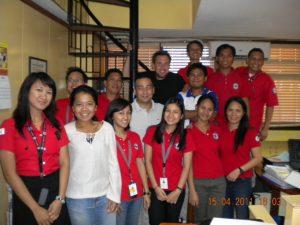 Das Team des Deutschen Roten Kreuzes auf den Philippinen im April 2011.