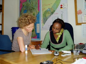 Im Büro des DRK in Nairobi. (c) DRK
