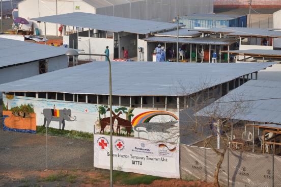 Foto: die temporäre Infektionsklinik des DRK in Monrovia