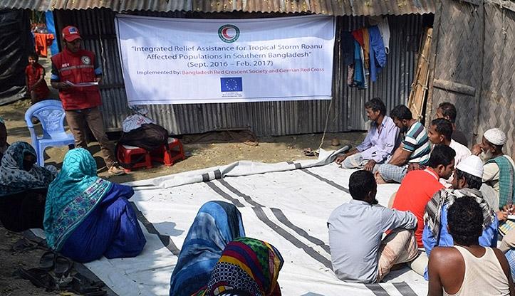 Foto: Hilfe nach Zyklon Roanu in Bangladesch