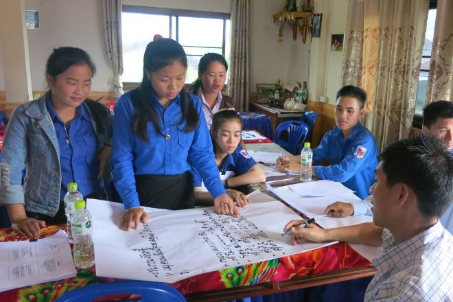 Junge Ehrenamtliche in Laos