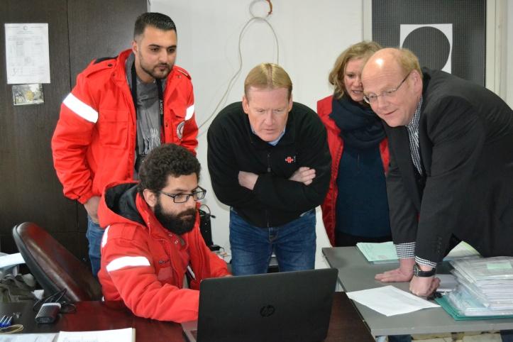 Mitarbeiter des Syrischen Roten Halbmonds und des DRK in Syrien