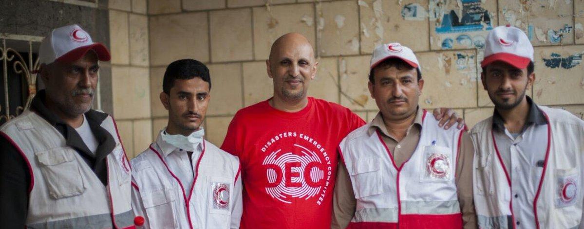 Saleh und das Freiwillgenteam vom Jemenitischen Roten Halbmond