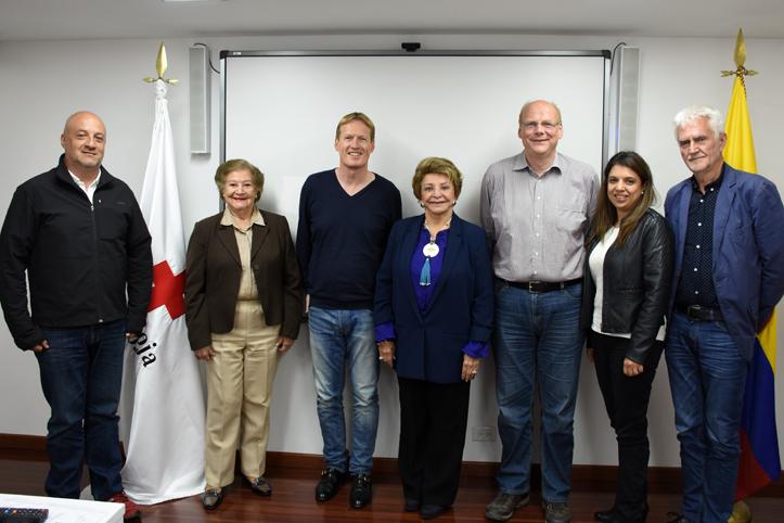 Foto: Foto einer Besuchsdelegation in Kolumbien.