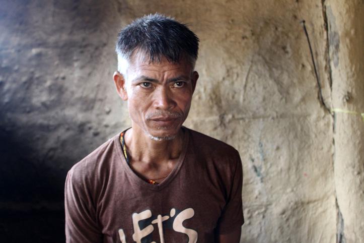 Foto: Portrait eines von der Überschwemmung betroffenen nepalesischen Mannes