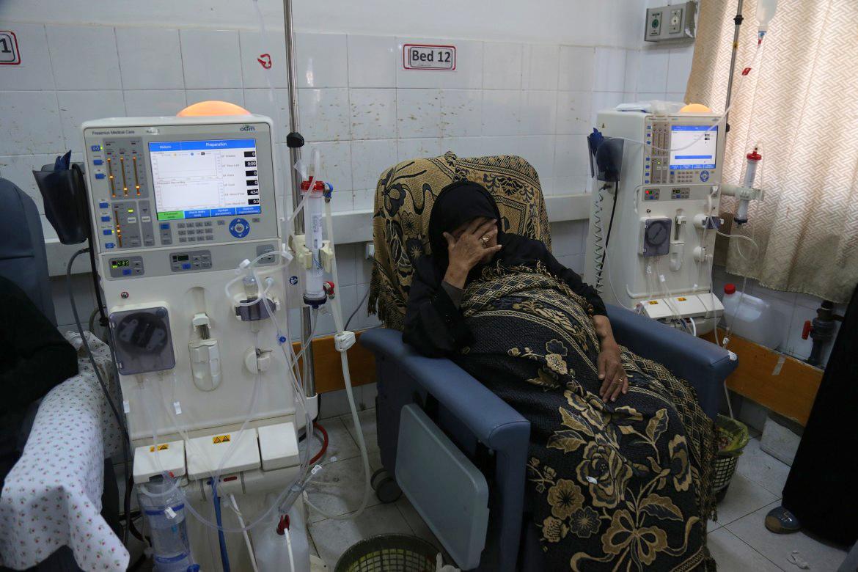 Foto: Eine Frau während einer Dialysesitzung