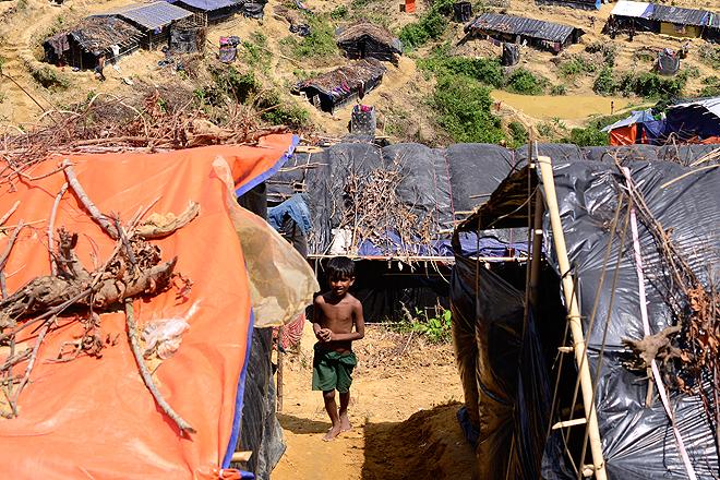 Ein Junge in einem Flüchtlingslager in Cox's Bazar