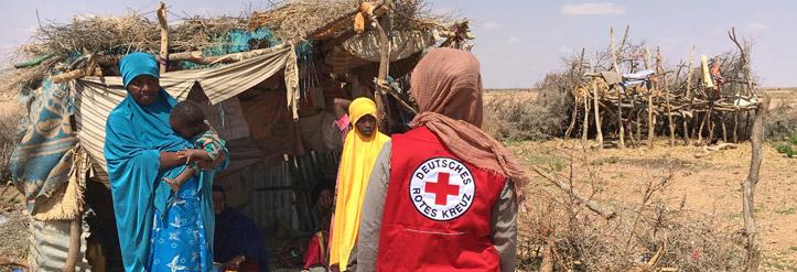 Foto: Somalische Frauen vor ihrer Hütte