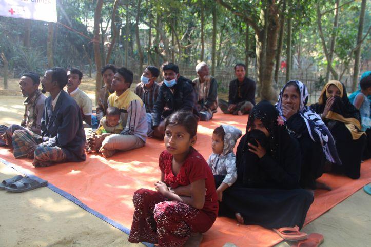 Menschen aus Rakhine in der Mobilen Gesundheitsstation