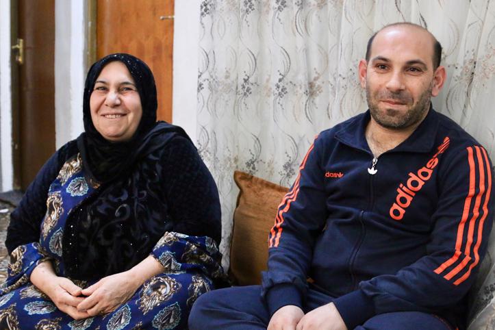 Foto: Portrait einer irakischen Mutter und ihres erwachsenen Sohnes