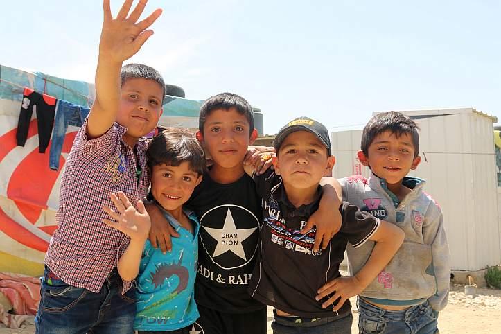 Gruppe syrischer Flüchtlingskinder