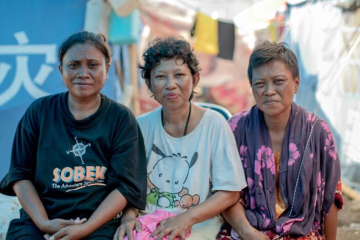 Katastrophen in Indonesien: Drei Schwestern im Zeltlager