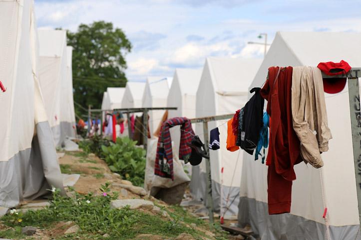 Katastrophen in Indonesien: Camps für Wohnungslose