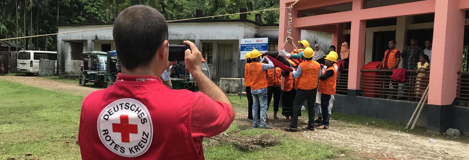 Vorbereitung auf Wirbelstürme: Training in Rettungstechiken