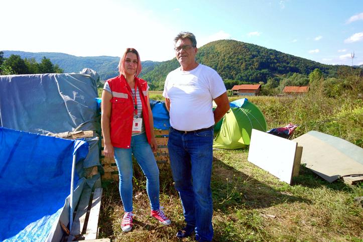 Foto: Flüchtlingshelfer des Roten Kreuzes in Bosnien