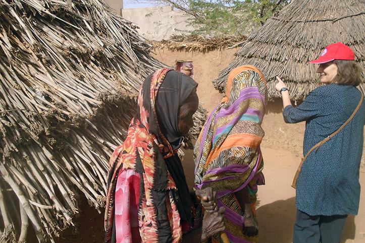 Foto: Frauen in einer sudanesischen Siedlung