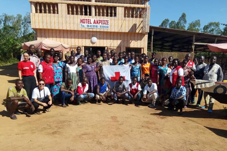 Foto: Gruppenbild von Freiwilligen in Togo