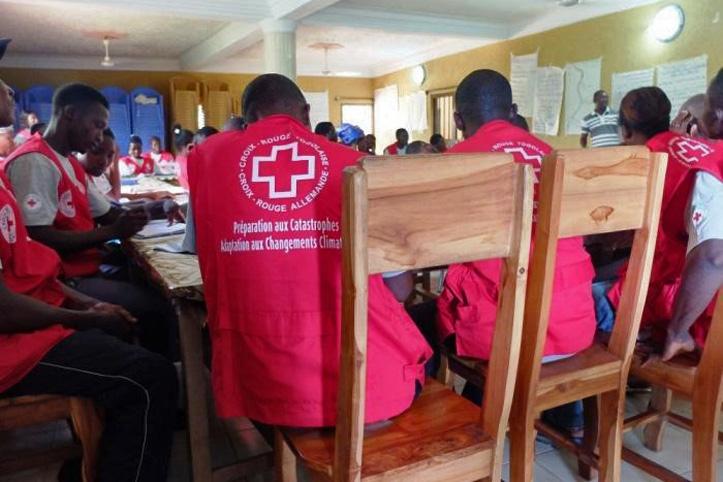 Foto: Freiwillige in Togo während einer Schulung