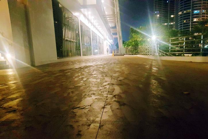 Foto: Asche auf den Gehwegen Manilas