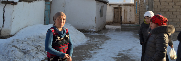 Foto: Kirgisische Empfängerin von Winterhilfe