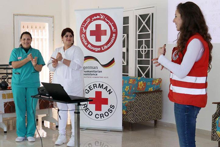 Coronavirus im Libanon: Rotkreuzlerinnen zeigen Händewaschen
