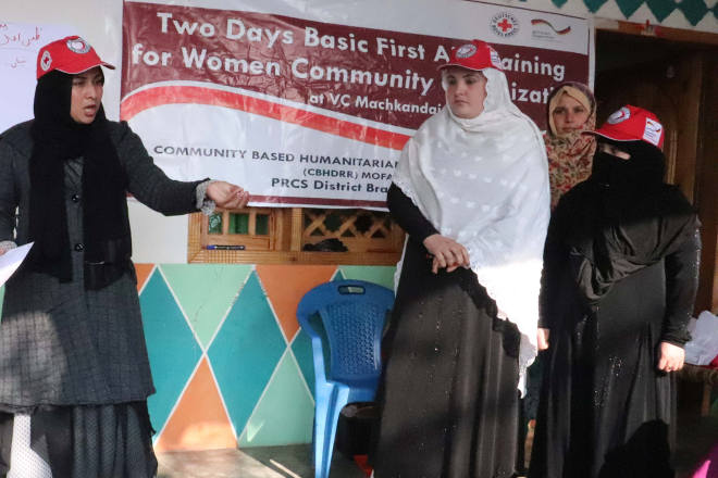 Erste-Hilfe-Schulung von Freiwilligen in Pakistan