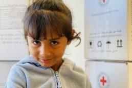 Kind im Flüchtlingslager auf Lesbos