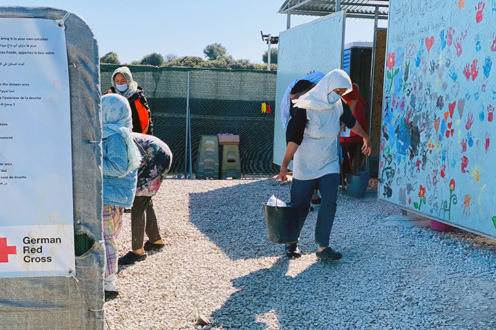 Duschblock für Flüchtlinge in Kara Tepe