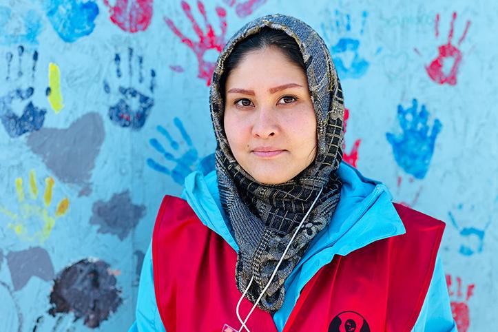Geflüchtete in Kara Tepe: Portrait einer afghanischen Rotkreuzfreiwilligen