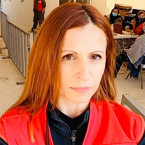 Portrait einer Rotkreuzmitarbeiterin