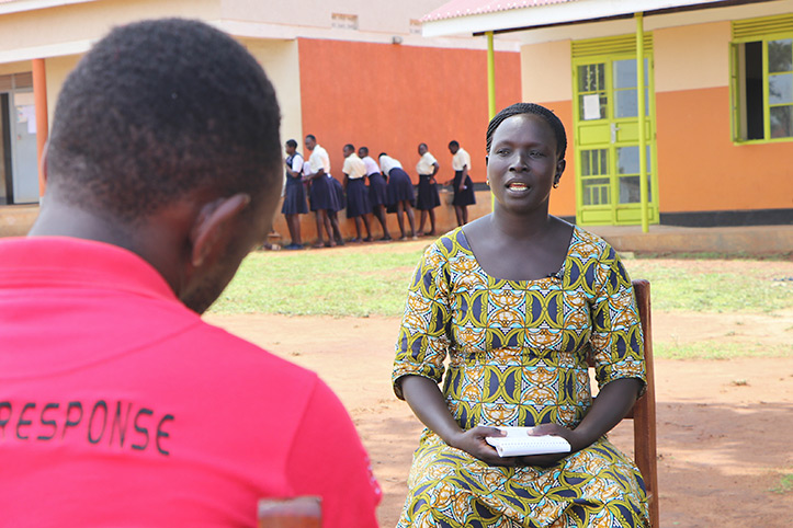 Eine ugandische Lehrerin im Interview